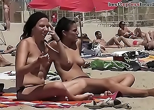 HOT TOPLESS Murk ON THE BEACH more on http://www.allanalpass.com/CMQ95