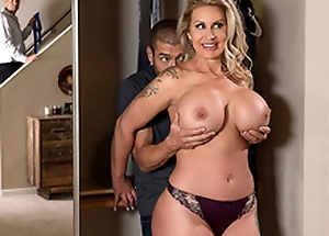Shifty Mom 3 Starring Ryan Conner - Brazzers HD -2