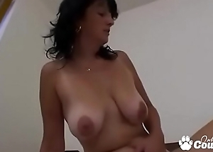 Mature Cougar Wraps Her Pussy Lips With respect to A Young Weasel words